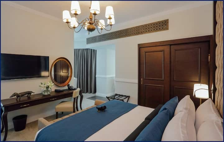 Luxury 01 Bedroom Apartment in the Palm Jumeirah