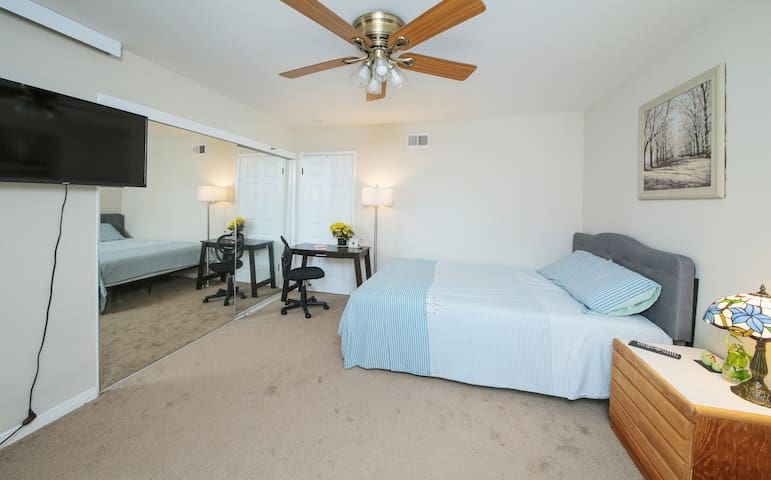 1 bed 1 bathroom private entrance big room #4