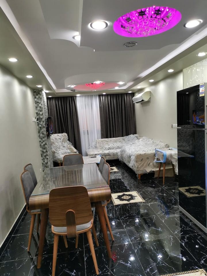 99 L (New/Modern/Stylish apartment)