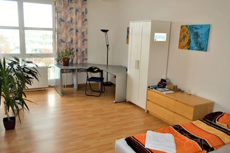 Large and bright room close to City Center - Dresden