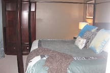guest suite w/king size bed; luxurious linens