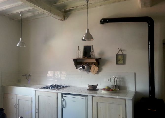 apartment in medieval small town - Montieri - Apartemen