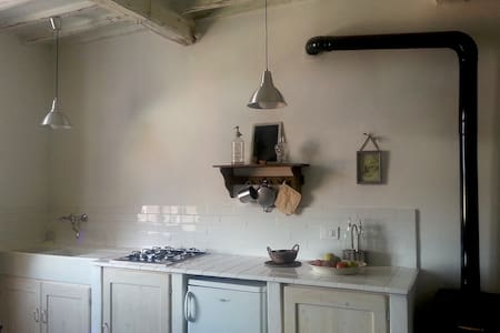 apartment in medieval small town - Montieri