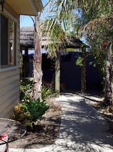 Bali H'ai Cabin - Thornbury - Cabin