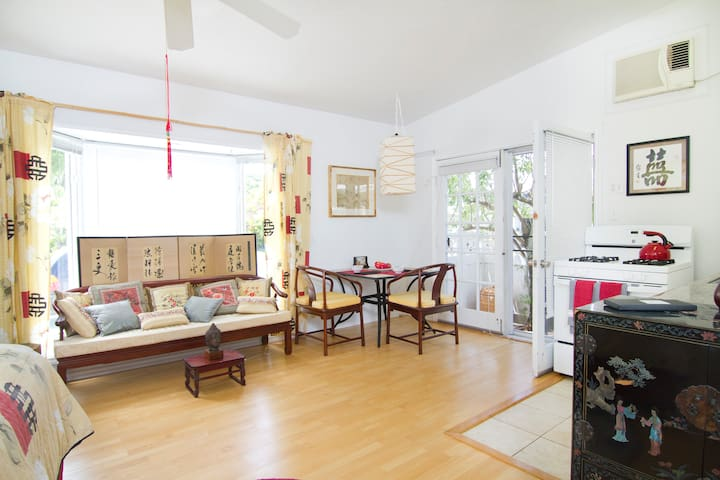 Large, Elegant Studio in Quiet Safe Neighborhood