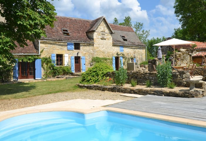 Farmhouse with secluded garden and heated pool