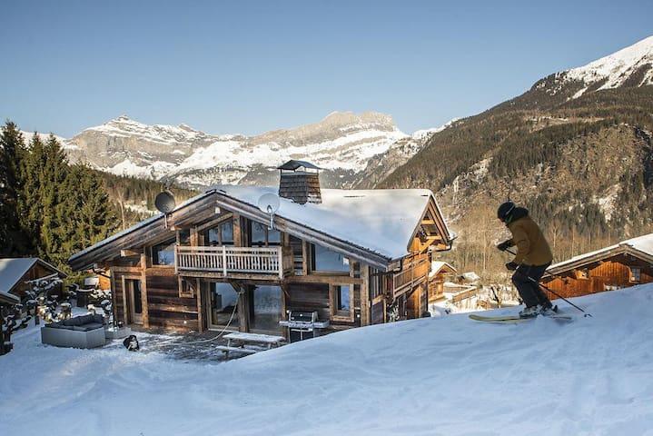 Black Diamond Lodge at Auvergne-Rhône-Alpes