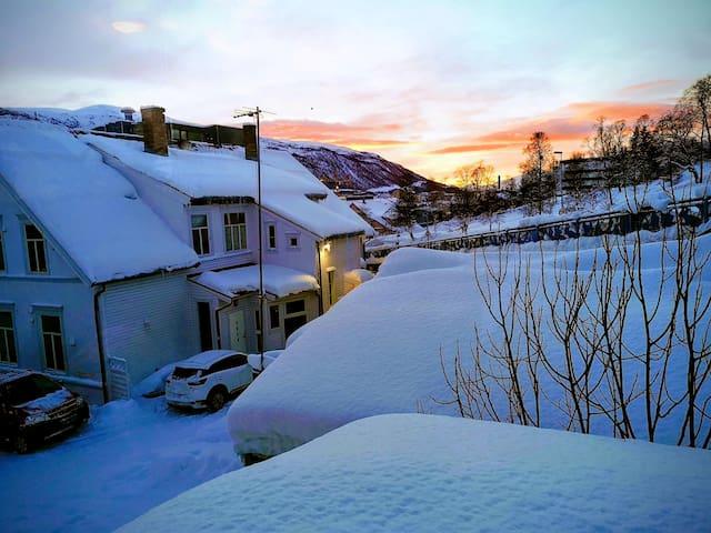 美丽漂亮的雪景,就在窗外。