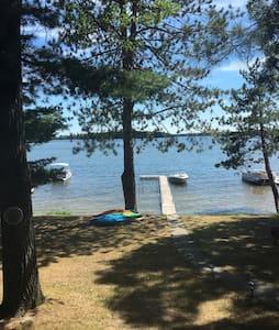 Top 20 hubbard lake vacation rentals vacation homes for Hubbard lake mi fishing