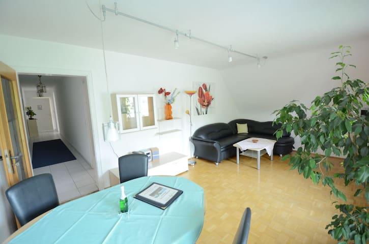 Ferienhaus am Anleger (Uhldingen-Mühlhofen), Wohnung Nr. 8 mit Balkon und Seesicht
