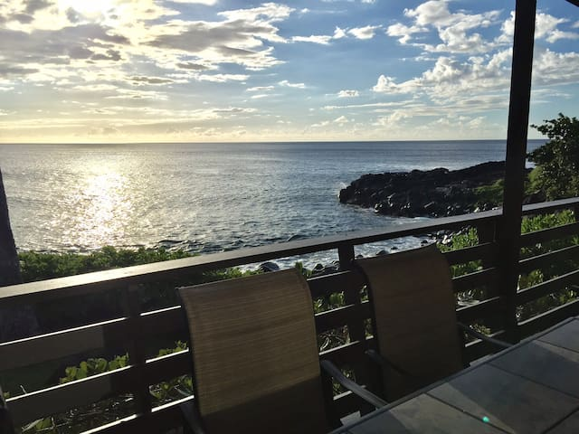 Right on the Ocean –Secluded Cove-Gorgeous Sunsets