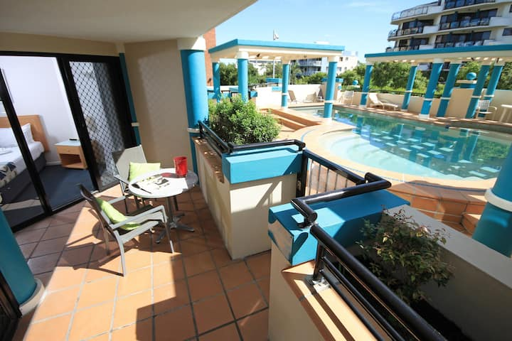 2 Bedroom Apartment with Pool Access