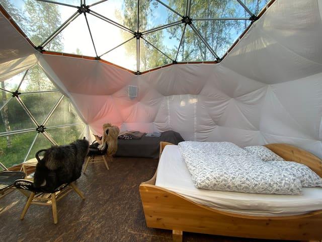 Dobbeltseng med gode madrasser og varme dyner