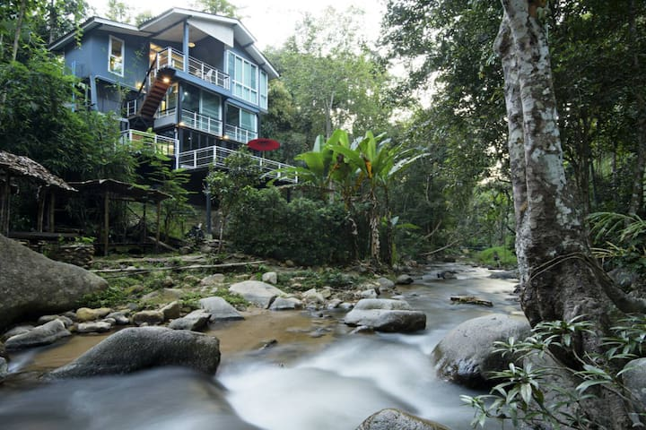 The Escape House Maekampong Chiangmai : 3 bedrooms