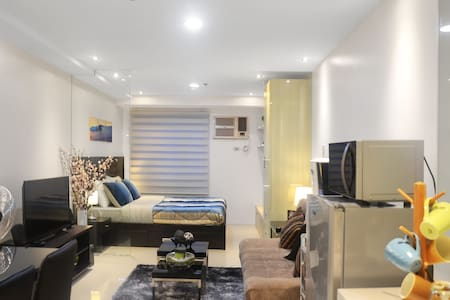 Cheap Cozy 1B WIFI  Residences Rent - Quezon - Condominio