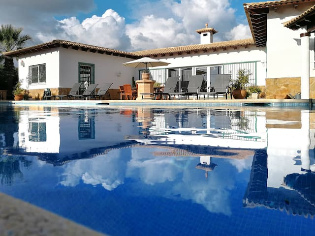 Holiday home with pool in Cala Pi