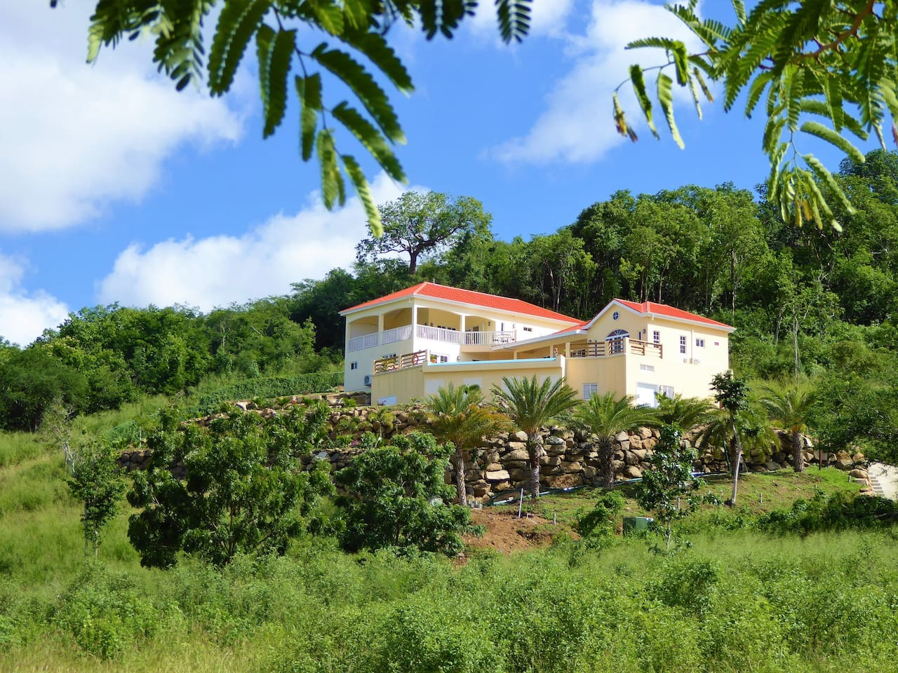 Peace and tranquillity guaranteed by exclusive hillside locating