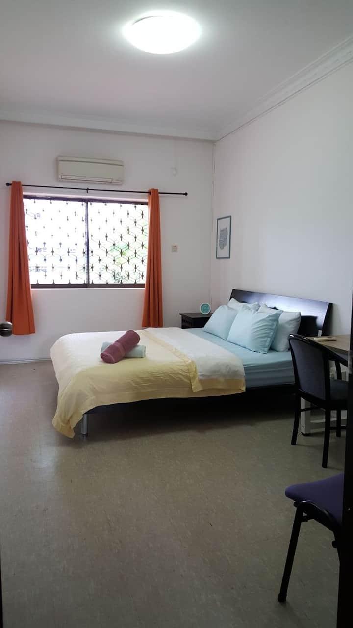 Spacious room near Woodleigh MRT