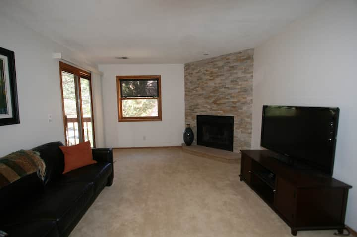 Immaculate, Updated Condo, Central Boulder