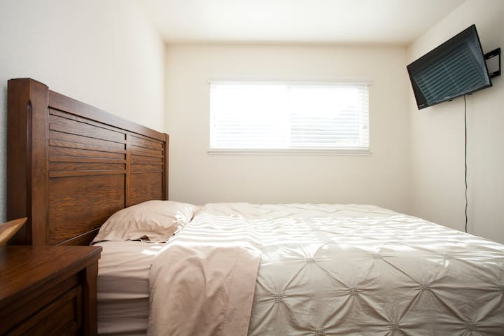 Cozy room in a good location - Los Gatos - Casa