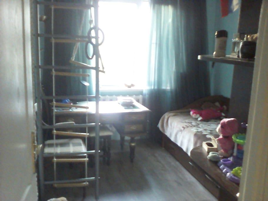отдельная комната  + 1 спальное место