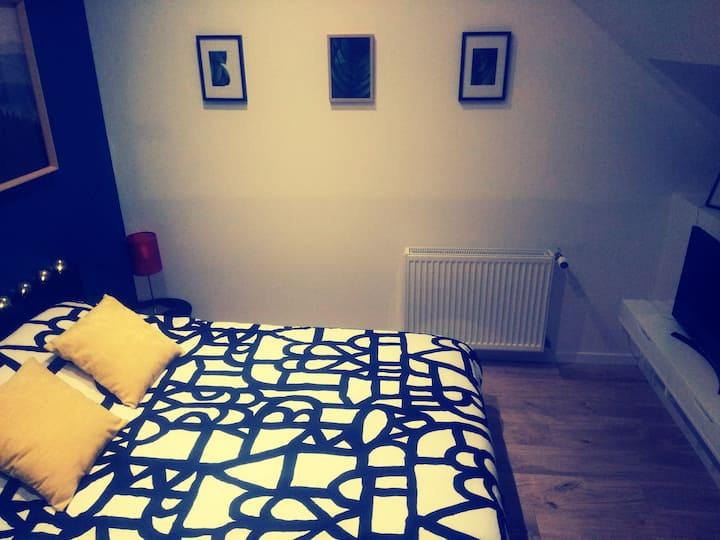 Chambre Cosy n° 2 à 5 min de Rennes, maison dédiée