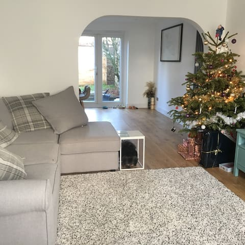 BEAUTIFUL DOUBLE ROOM IN NEWLY RENOVATED HOUSE