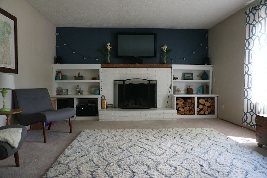 Cozy living room with full entertainment surround sound and apple tv