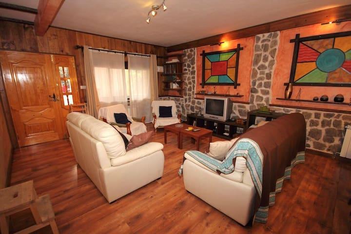 casa Lago en Sacedón, Entrepeñas - Alcocer - Huis