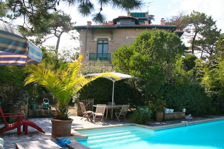Märchenschloss mit Pool im Herzen von Cap Ferret