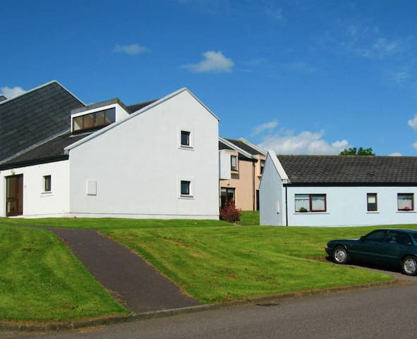 Carleton Village, Youghal, Co. Cork - 3 Bedroom holiday Home - Youghal - House