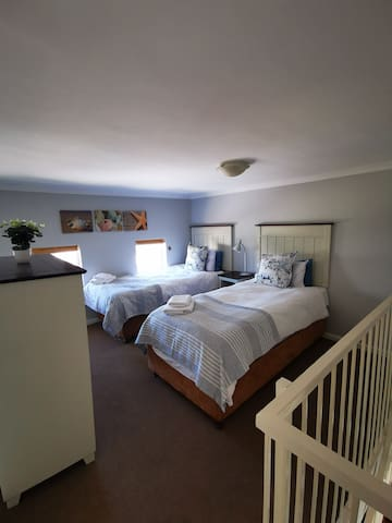 Second loft bedroom