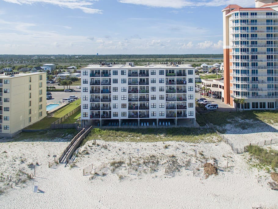 Enjoy views of the gulf from your 4th floor condo