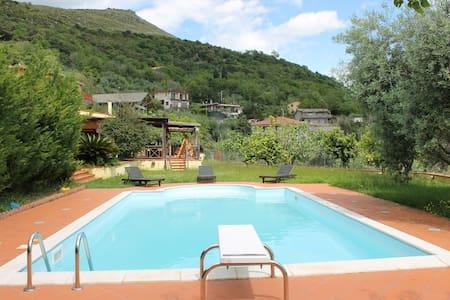 Villa Claudia Paradise Hill