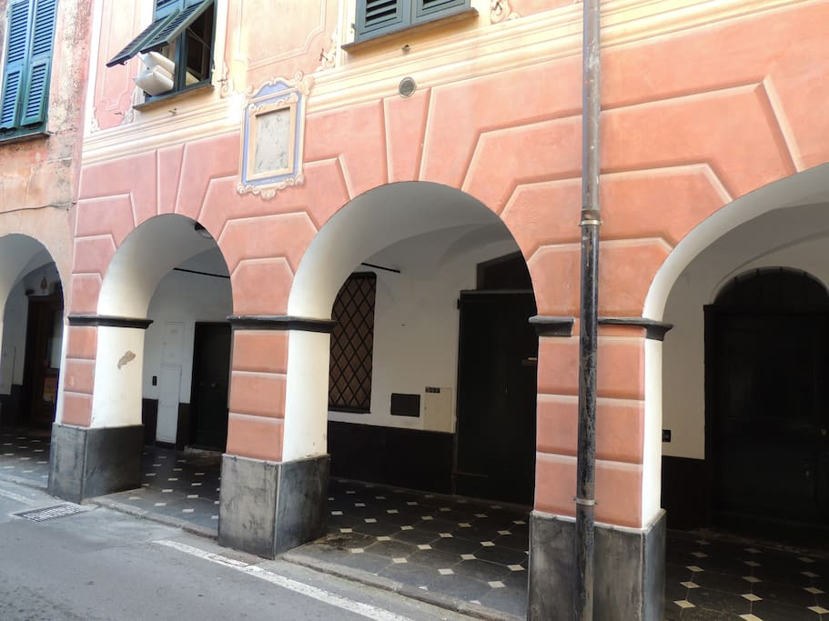 i portici medioevali - the medioeval arcades