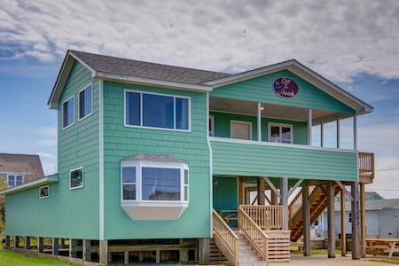 Hatteras Home with Breathtaking Views of the Sound