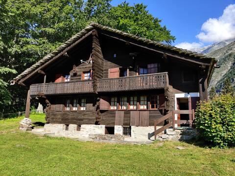 Accogliente e tipica casa Walser