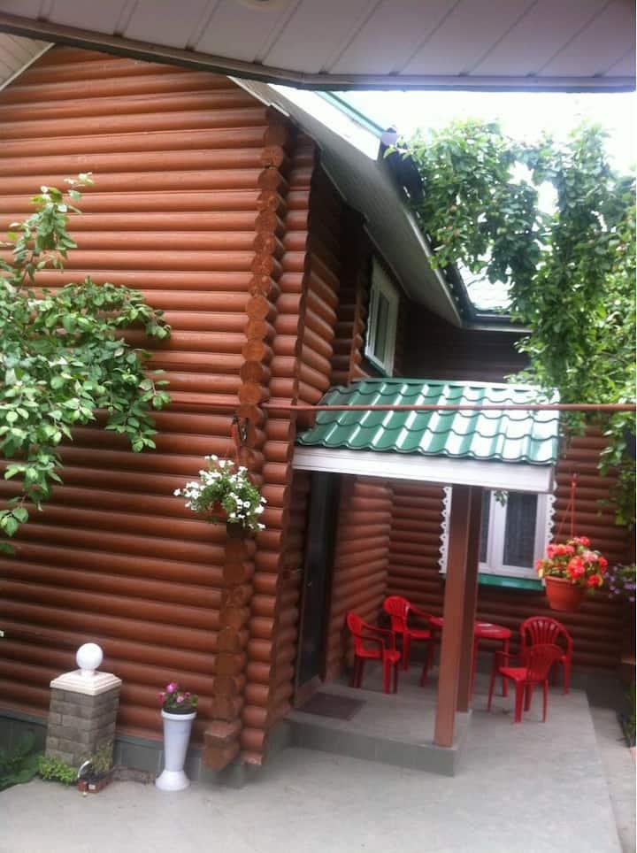 дом в Москве со своей верандой