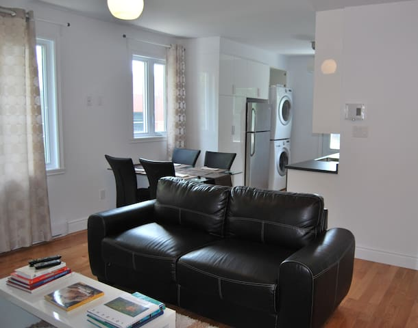 Chic apartment, furnished, 4 and a half, 2 bedrooms