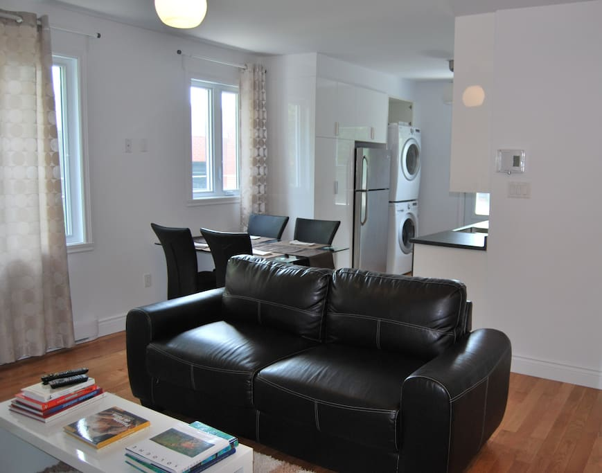 Appart chic meubl 4 et demi 2 ch appartements louer for Appart meuble montreal