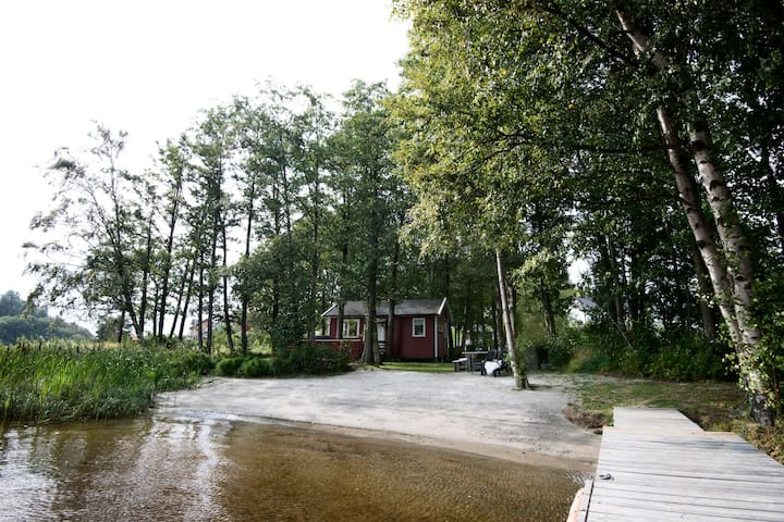 River island with sandy beach & boat - Larvik - Cabin