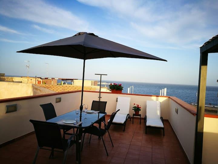 Appartamento con terrazzo vista mare in Ortigia