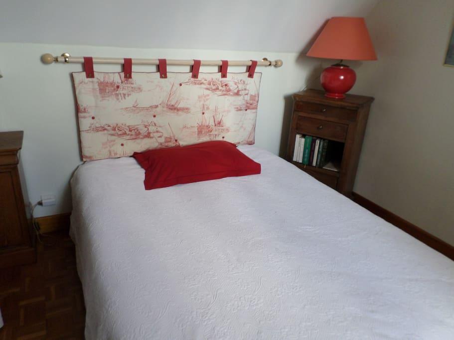chambre avec lit double 140
