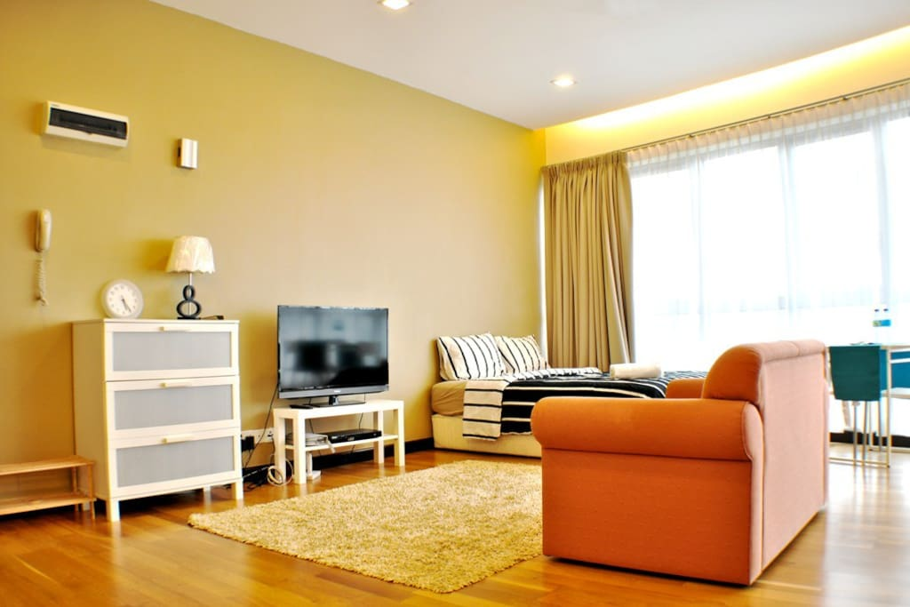Elegance, privacy & convenience all combine, you get a classy crib in the heart of the city.