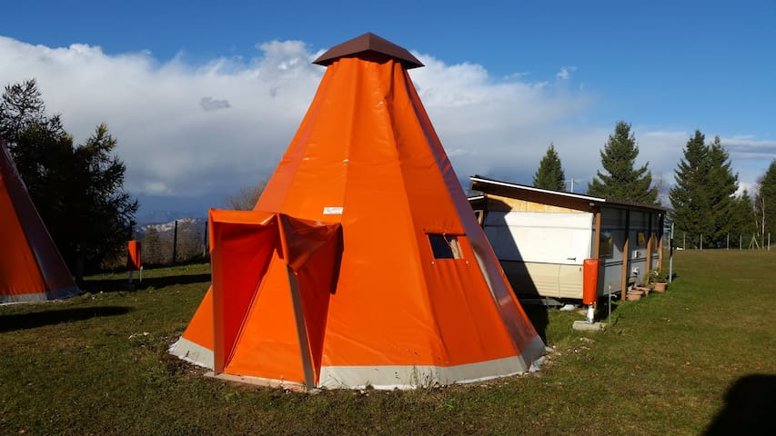 Tenda 1 - Polsa - เต็นท์