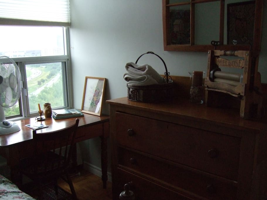 Room furnished with antique Canadiana