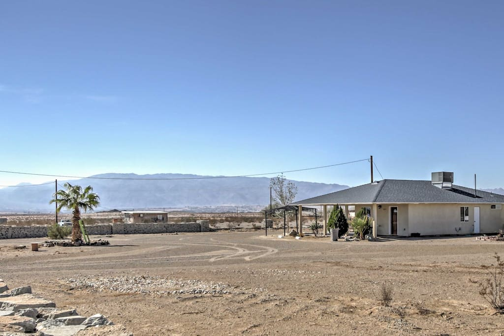 Situated in a tranquil desert setting with mountain views, this secluded rental home promises a rejuvenating retreat!