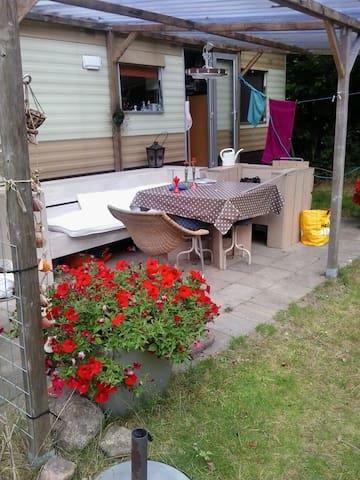 Op vakantiepark - Wezuperbrug, Coevorden - Karavan