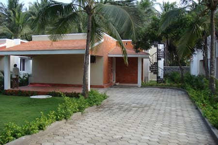 3 Bedroom Beach House/Villa in ECR - Muttukadu - Vila