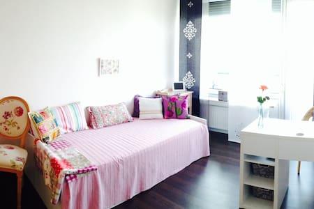 Cozy room in peaceful neighbourhood - Unterschleißheim